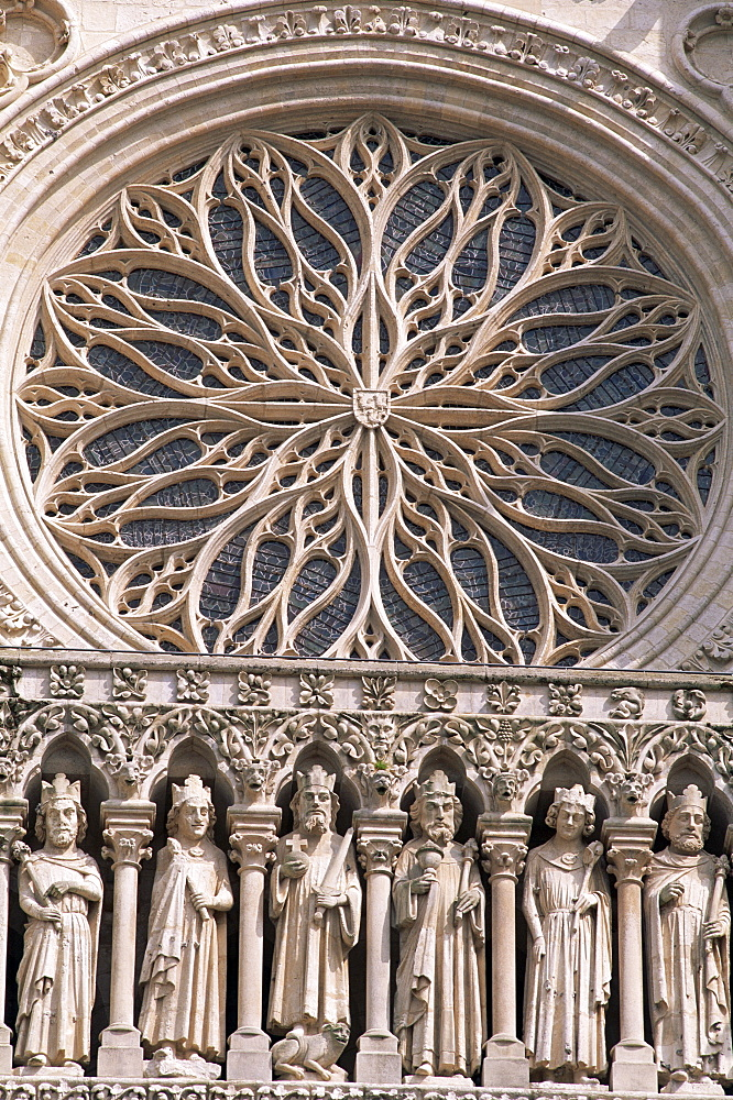 Detail of the Kings Gallery sculptures, Amiens Cathedral, UNESCO World Heritage Site, Amiens, Somme, France, Europe
