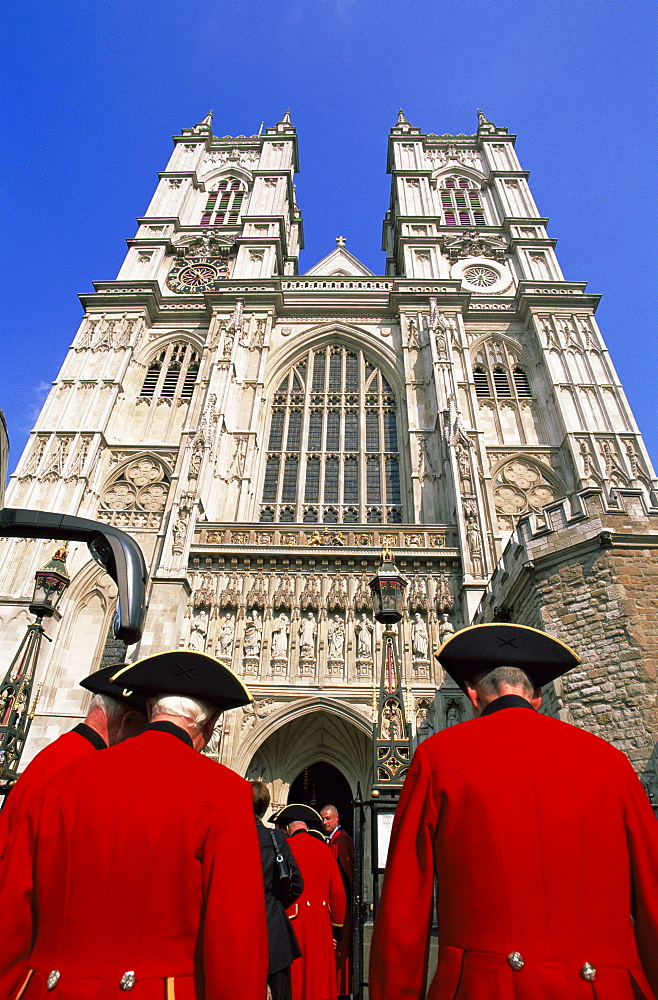 Chelsea Pensioners entering Westminster Abbey, London, England, United Kingdom, Europe