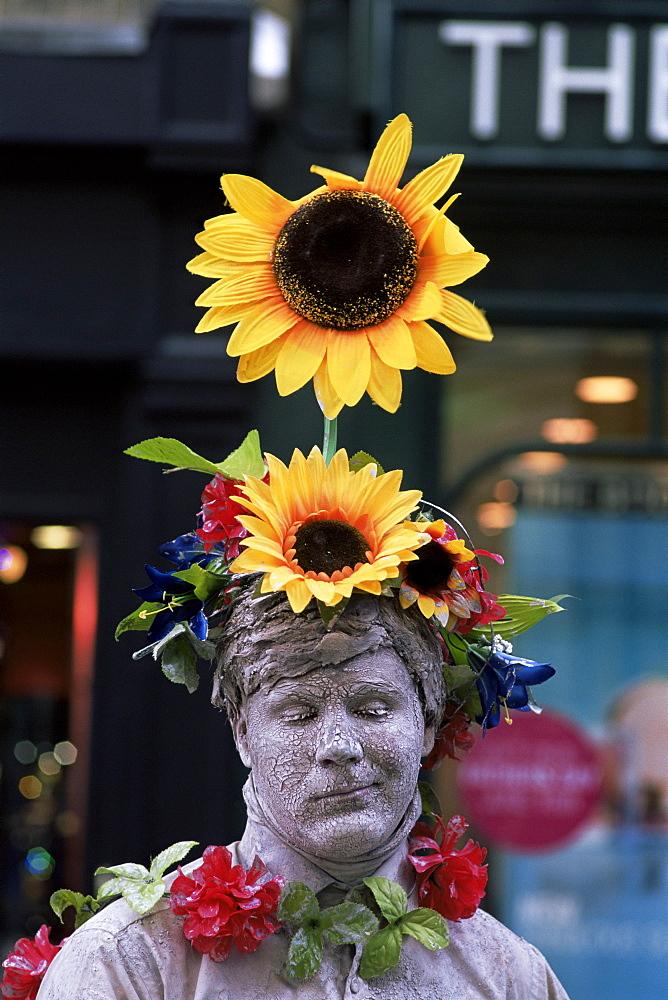 Human statue street performer, Covent Garden, London, England, United Kingdom, Europe