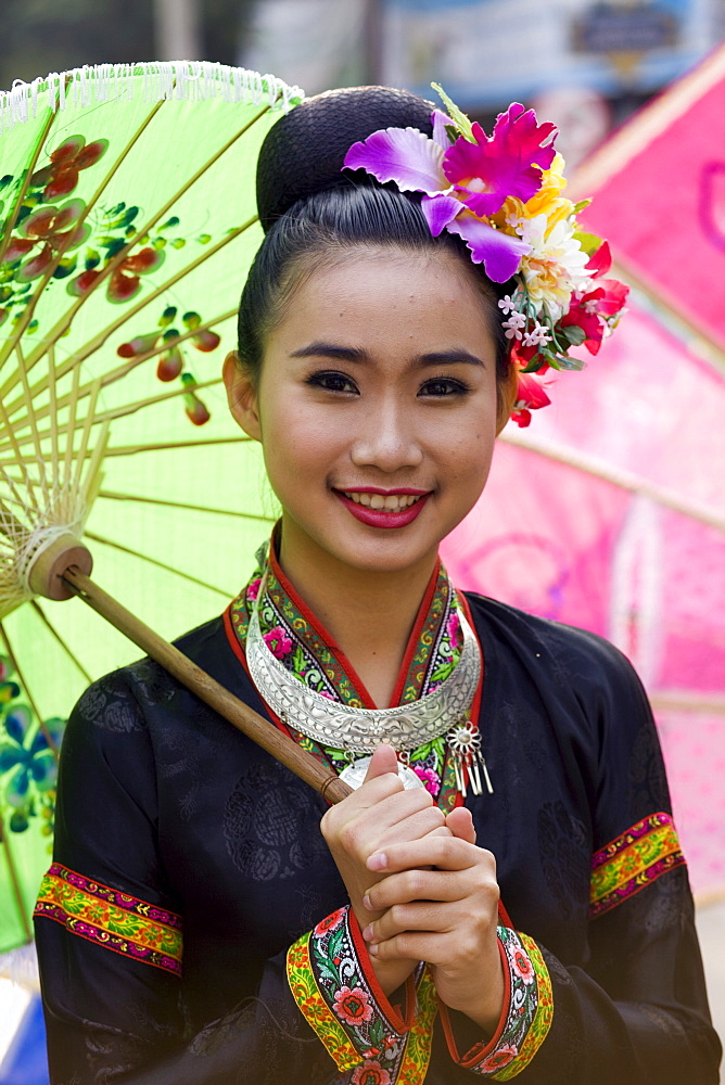 Girl in traditional Thai costume at Chiang Mai Flower Festival Parade, Chiang Mai, Thailand, Southeast Asia, Asia