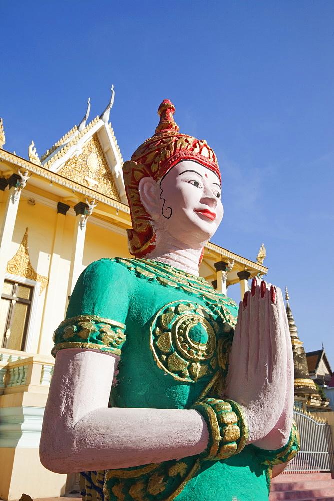 Statue in Wat Botum, Phnom Penh, Cambodia, Indochina, Southeast Asia, Asia