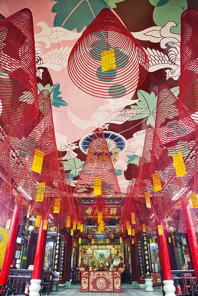 Incense coils, Phuc Kien Assembly Hall, Hoi An, Vietnam, Indochina, Southeast Asia, Asia