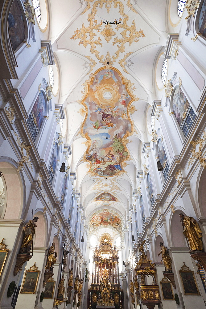 Baroque interior, St. Peters Church, Marienplatz, Munich,Bavaria, Germany, Europe - 834-7165