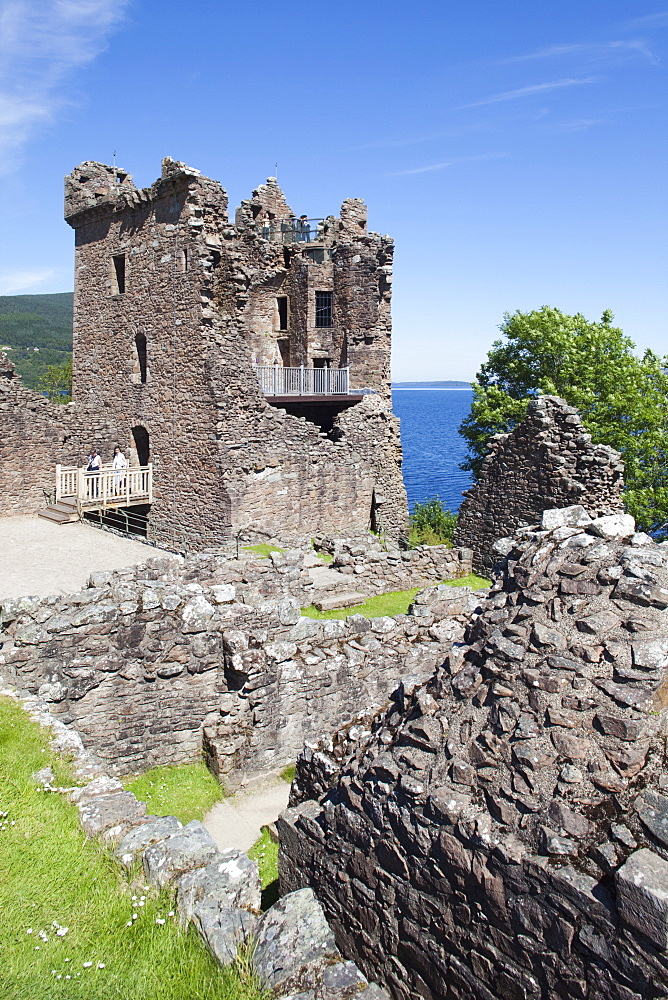 Urquhart Castle, Loch Ness, Highlands, Scotland, United Kingdom, Europe - 834-7206