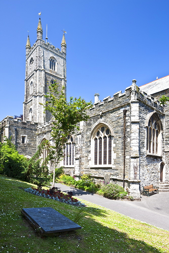 Fowey Parish Church in Fowey, Cornwall, England, United Kingdom, Europe - 835-1