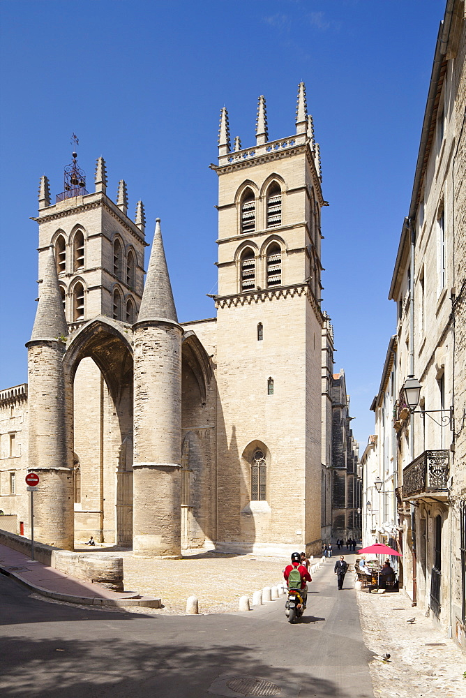 A view of Montpellier Cathedral, Montpellier, Languedoc-Roussillon, France, Europe - 835-55