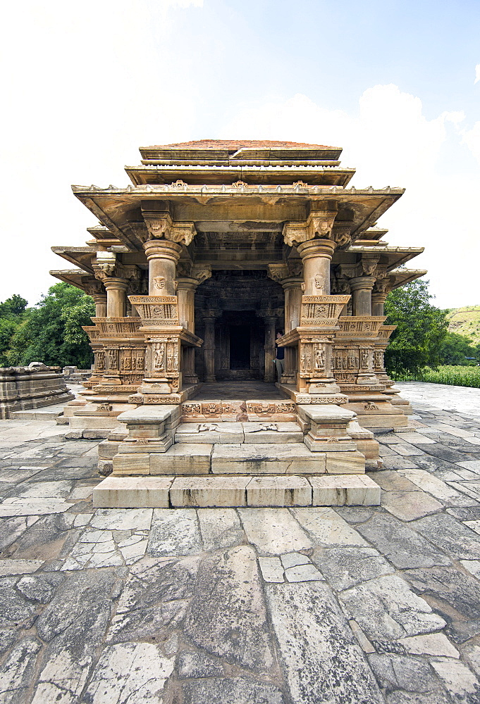 The Sas-Bahu Temples consisting of two temples and a stone archway with exquisite carvings depicting Hindu deities, near Udaipur, Rajasthan, India, Asia - 839-72