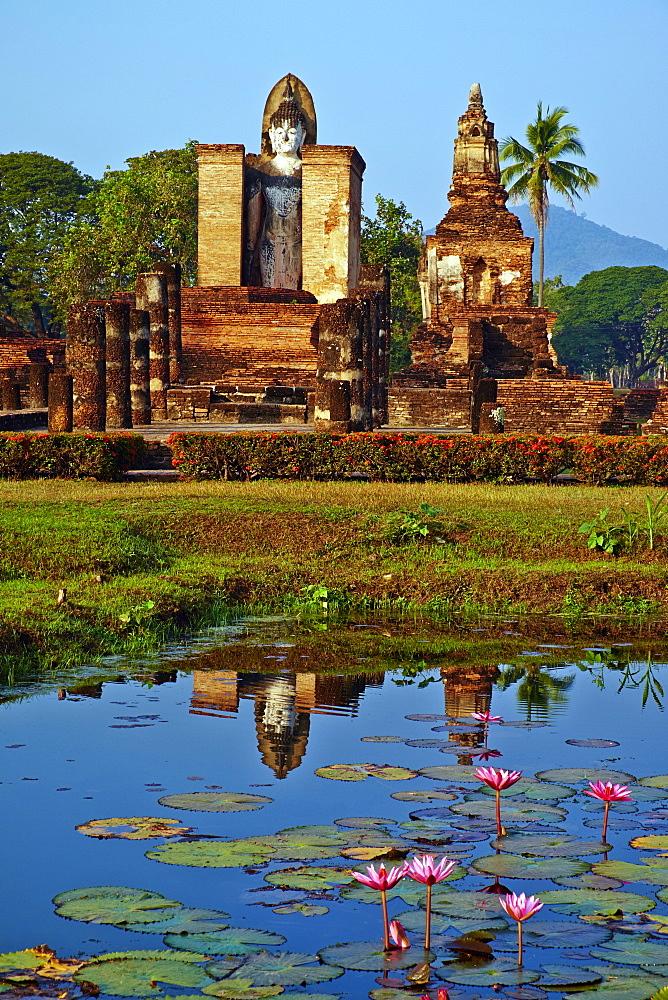 Wat Mahatat, Sukhothai Historical Park, UNESCO World Heritage Site, Sukhothai, Thailand, Southeast Asia, Asia - 841-1508