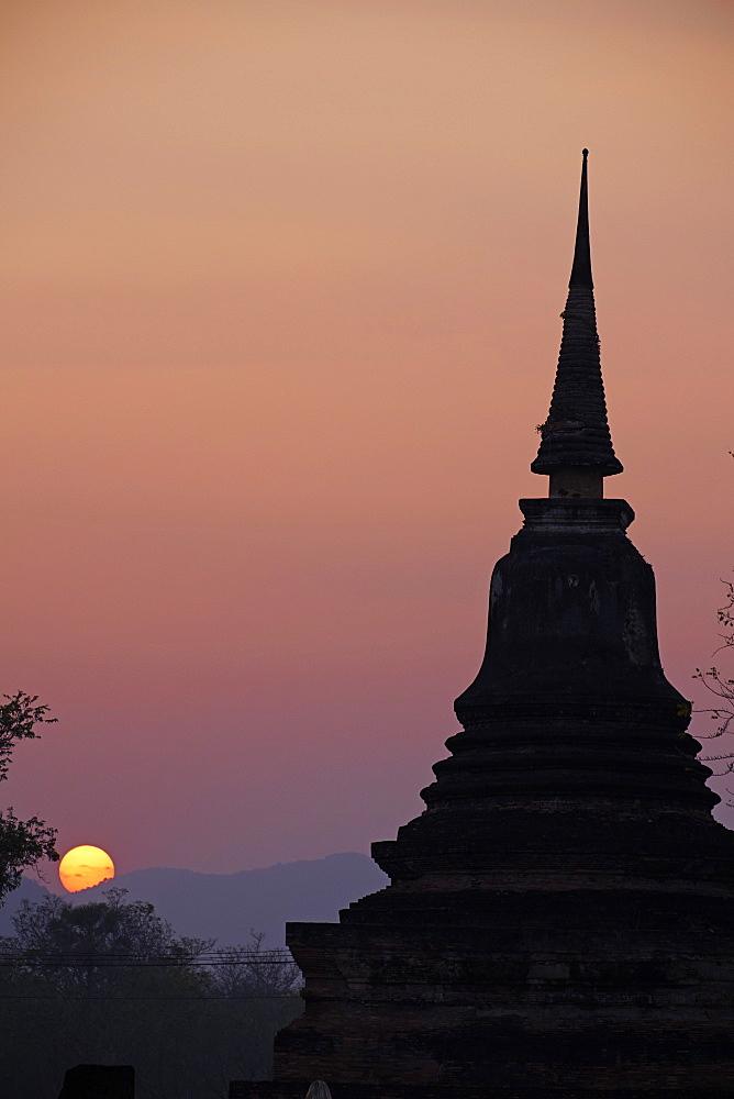 Wat Mahatat, Sukhothai Historical Park, UNESCO World Heritage Site, Sukhothai, Thailand, Southeast Asia, Asia - 841-1512