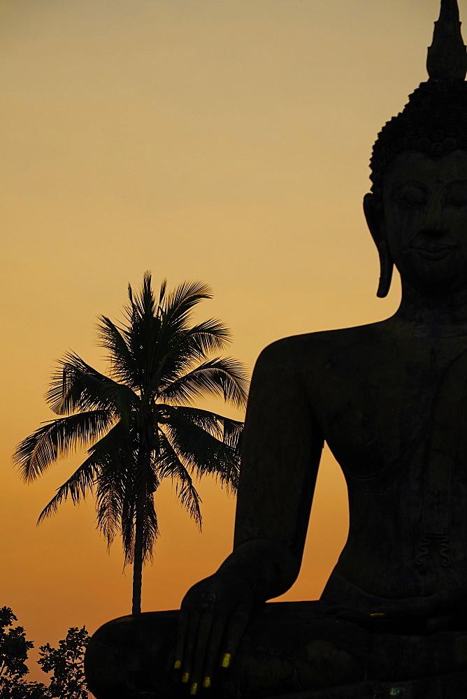 Wat Mahatat, Sukhothai Historical Park, UNESCO World Heritage Site, Sukhothai, Thailand, Southeast Asia, Asia - 841-1516