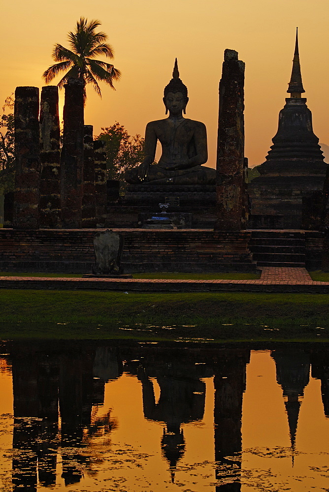 Wat Mahatat, Sukhothai Historical Park, UNESCO World Heritage Site, Sukhothai, Thailand, Southeast Asia, Asia - 841-1518