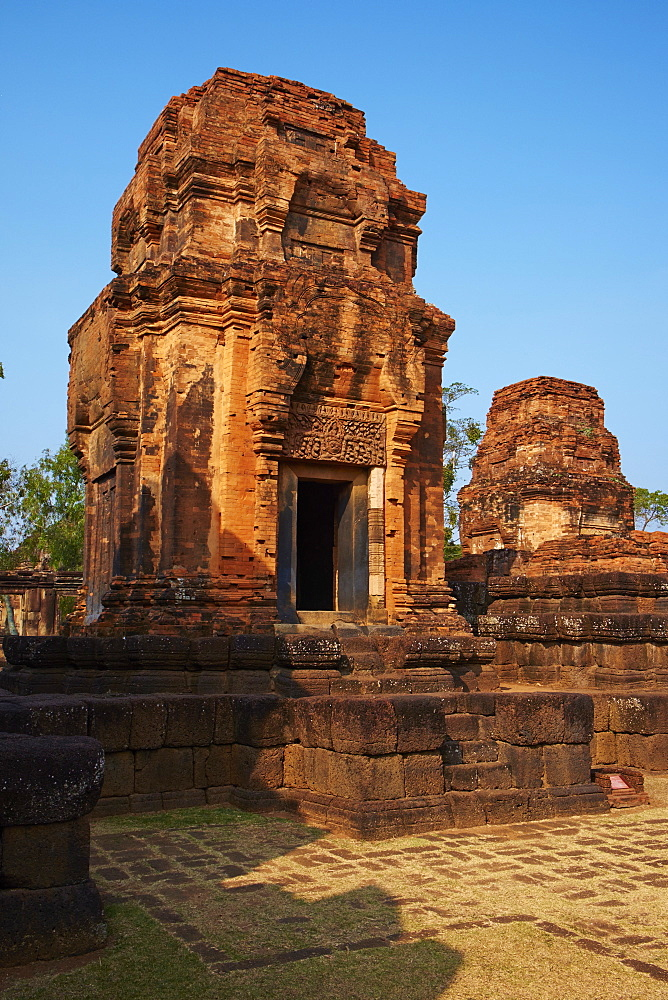 Muang Tham Temple, Khmer temple from period and style of Angkor, Buriram Province, Thailand, Southeast Asia, Asia - 841-1581
