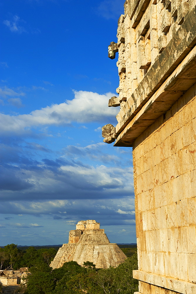 Pyramid of the Magician and Governor's Palace (Palacio del Gobernador), Mayan archaeological site, Uxmal, UNESCO World Heritage Site, Yucatan State, Mexico, North America