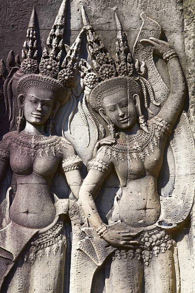 Close-up of relief sculpture of Apsara, heavenly dancer of the Khmer Kingdom, Angkor Wat temple, dating from the 12th century, Angkor, UNESCO World Heritage Site, Siem Reap, Cambodia, Indochina, Southeast Asia, Asia
