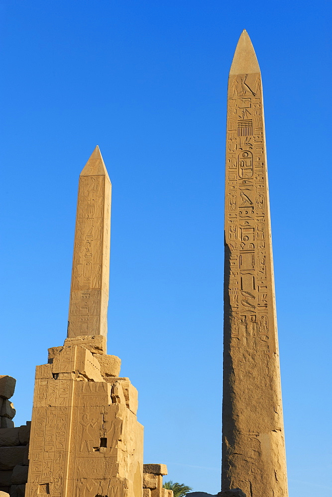 Obelisks of Tuthmosis I and Hatshepsut, Temple of Amun, Karnak, Thebes, UNESCO World Heritage Site, Egypt, North Africa, Africa