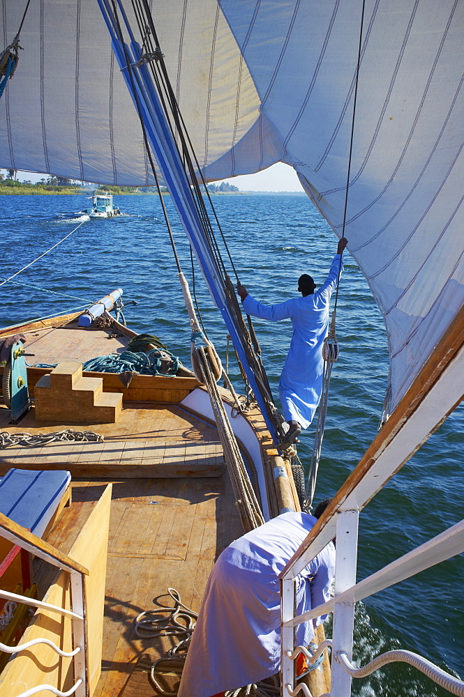 Cruise on the River Nile between Luxor and Aswan with Dahabieh type of boat, the Lazuli, Egypt, North Africa, Africa
