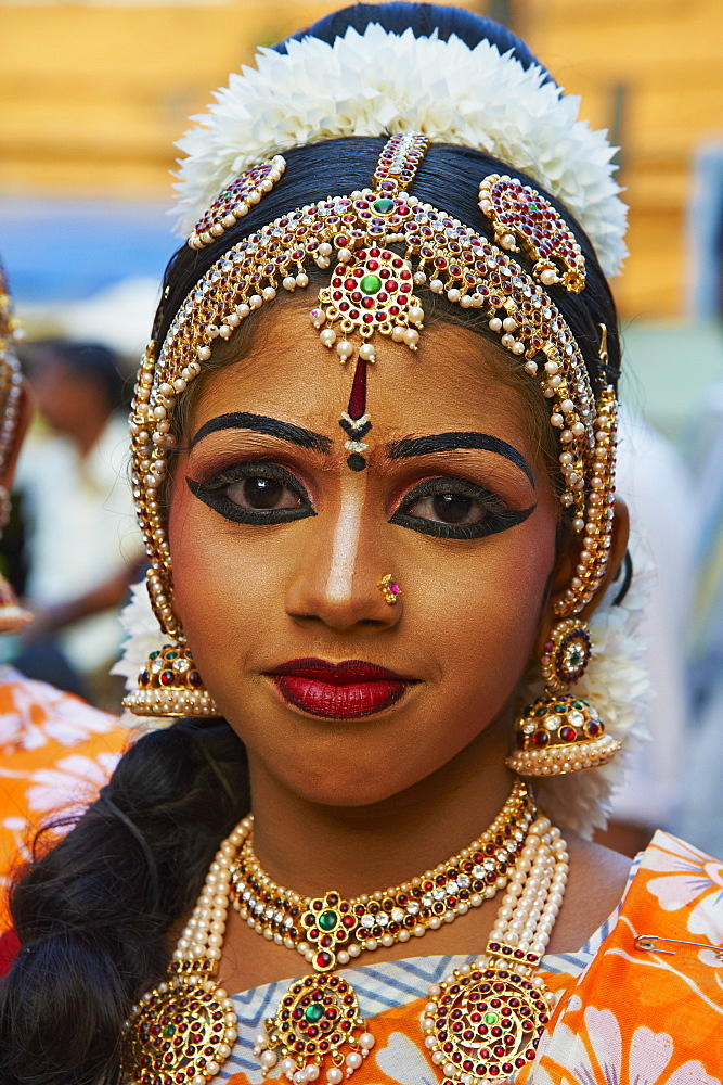 Dance show at Krishna Temple, Guruvayur, Kerala, India, Asia