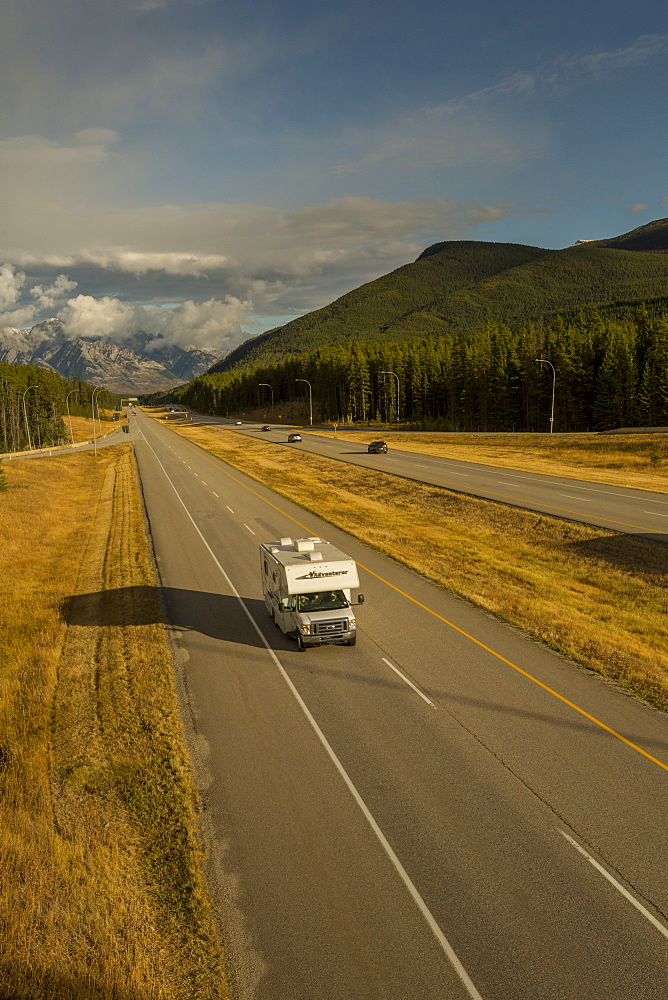 Traffic on Trans Canada Highway 1, Canadian Rockies, Banff National Park, UNESCO World Heritage Site, Alberta, Canada, North America - 844-14390