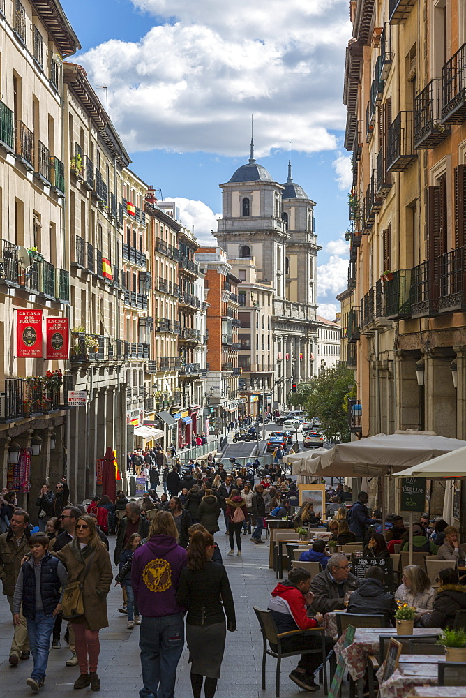 View of Al Fresco restaurants on Calle de Toledo from Calle Mayor, Madrid, Spain, Europe