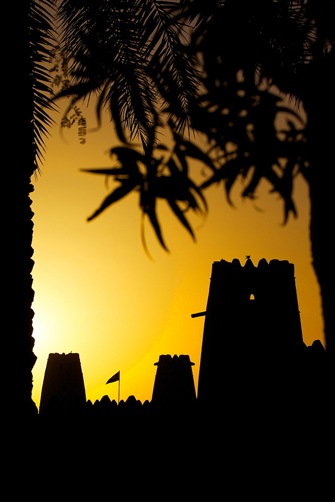 Al Jahili Fort at sunset, Al Jahili Park, Al Ain, Abu Dhabi, United Arab Emirates, Middle East