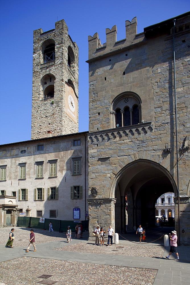 Palazzo Della Ragione and Big Bell Civic Tower, Piazza Vecchia, Bergamo, Lombardy, Italy, Europe