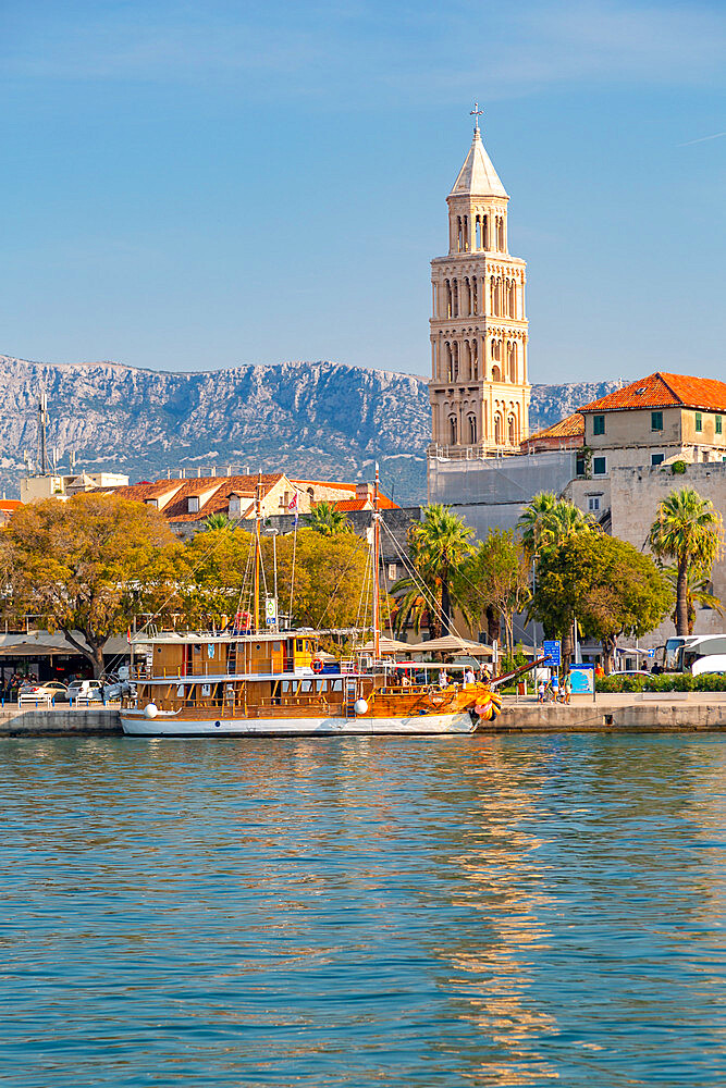 Split Harbour with Cathedral of Saint Domnius, Split, Dalmatian Coast, Croatia, Europe