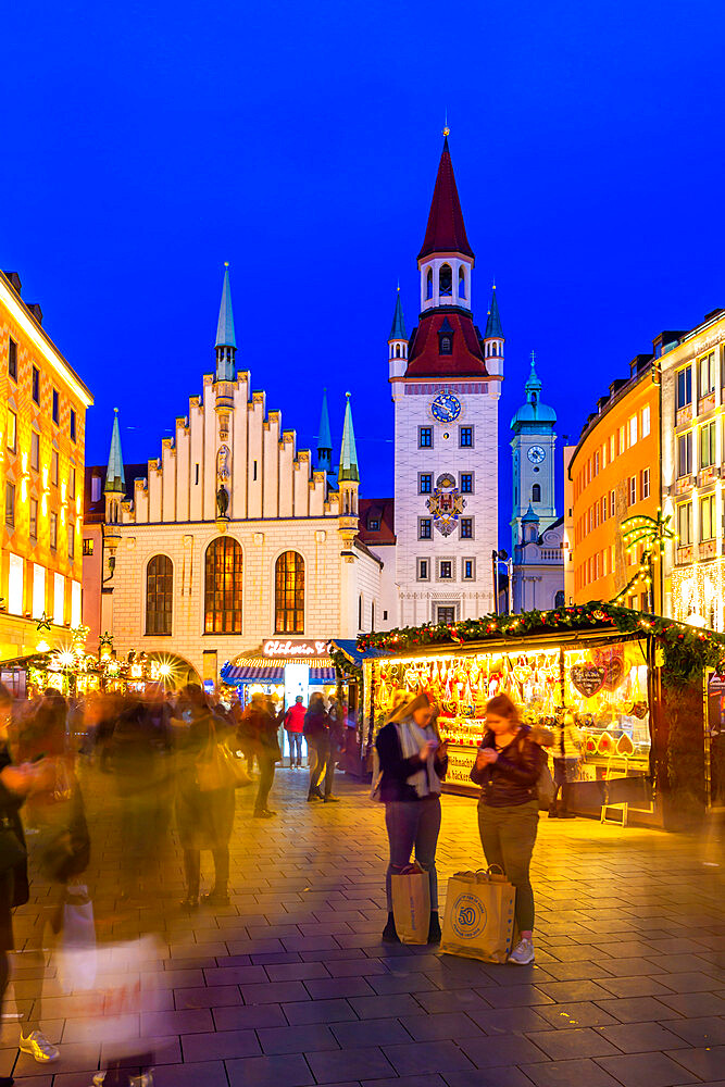 View of Christmas Market in Marienplatz and Old Town Hall at dusk, Munich, Bavaria, Germany, Europe