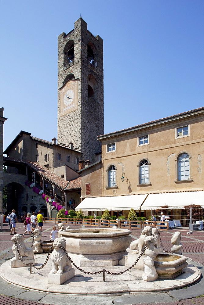 Big Bell Civic Tower, Piazza Vecchia, Bergamo, Lombardy, Italy, Europe