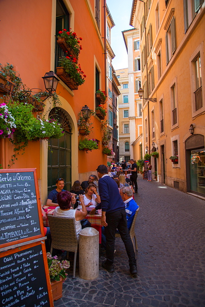 Busy side street near Trevi Fountain, Rome, Lazio, Italy, Europe