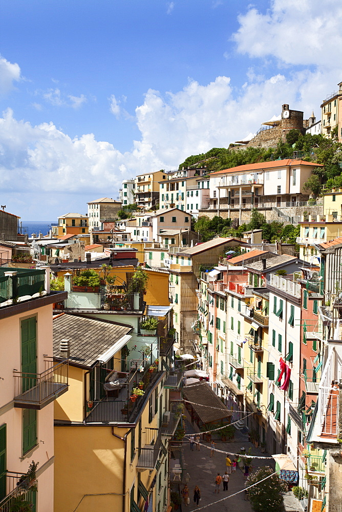 Rooftops above Via Colombo in Riomaggiore, Cinque Terre, UNESCO World Heritage Site, Liguria, Italy, Europe
