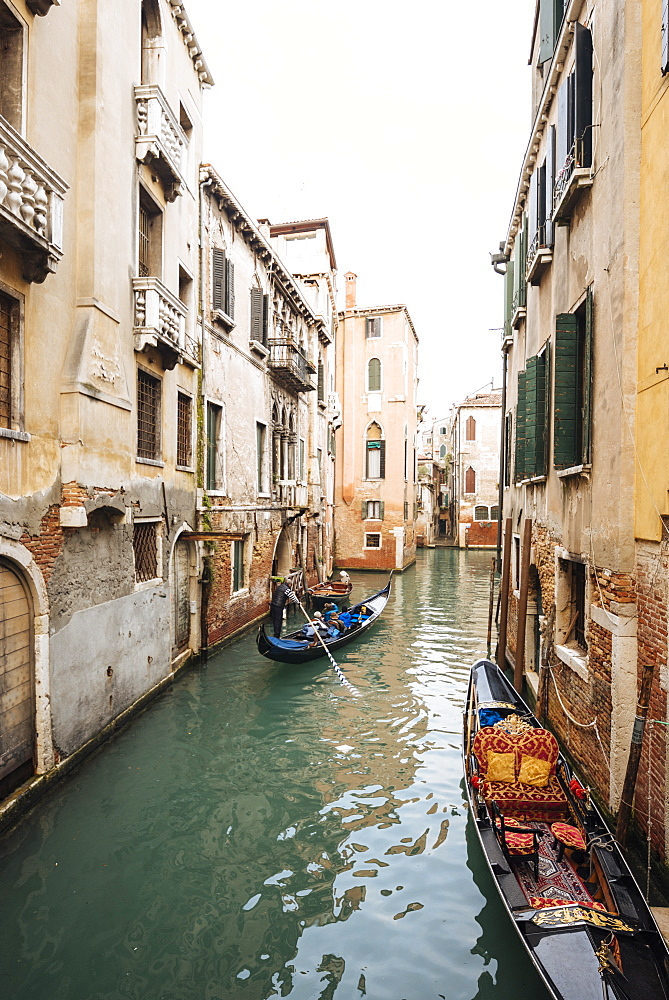 Canal, Venice, UNESCO World Heritage Site, Veneto Province, Italy, Europe - 848-1482