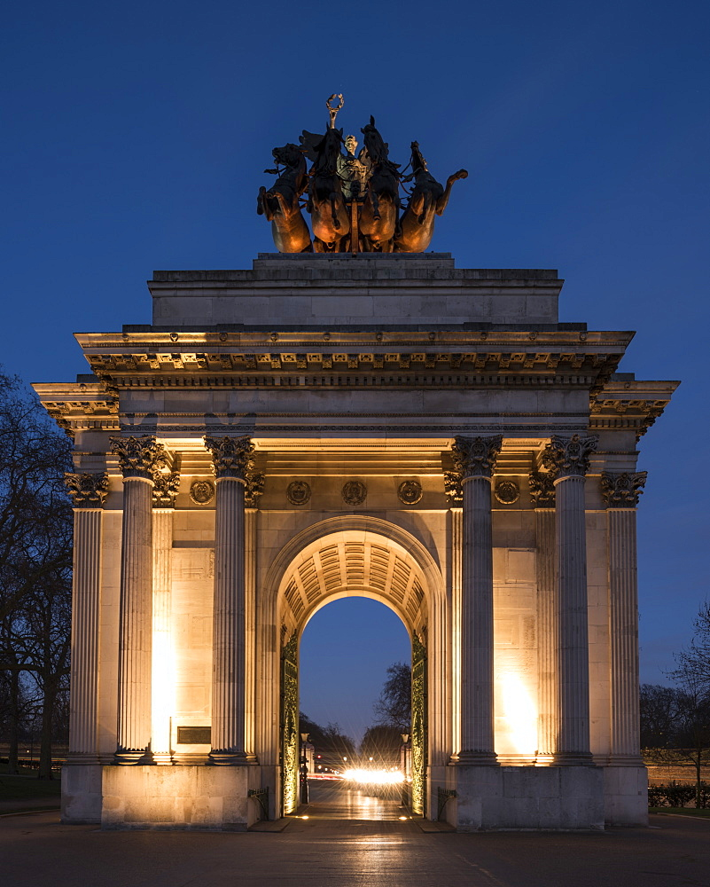 Exterior of Wellington Arch at night, Hyde Park Corner, London, England, United Kingdom, Europe