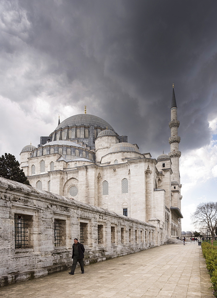 Exterior of Suleymaniye Mosque, UNESCO World Heritage Site, Istanbul, Turkey, Europe