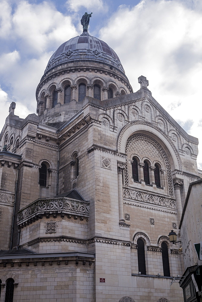 The Basilique de St. Martin in Tours, Indre et Loire, France, Europe