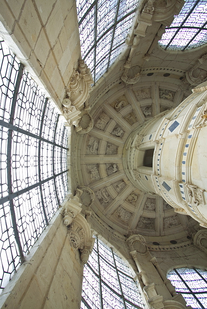 Looking up at the roof that covers the double helix staircase in Chateau de Chambord, UNESCO World Heritage Site, Loir-et-Cher, Centre, France, Europe
