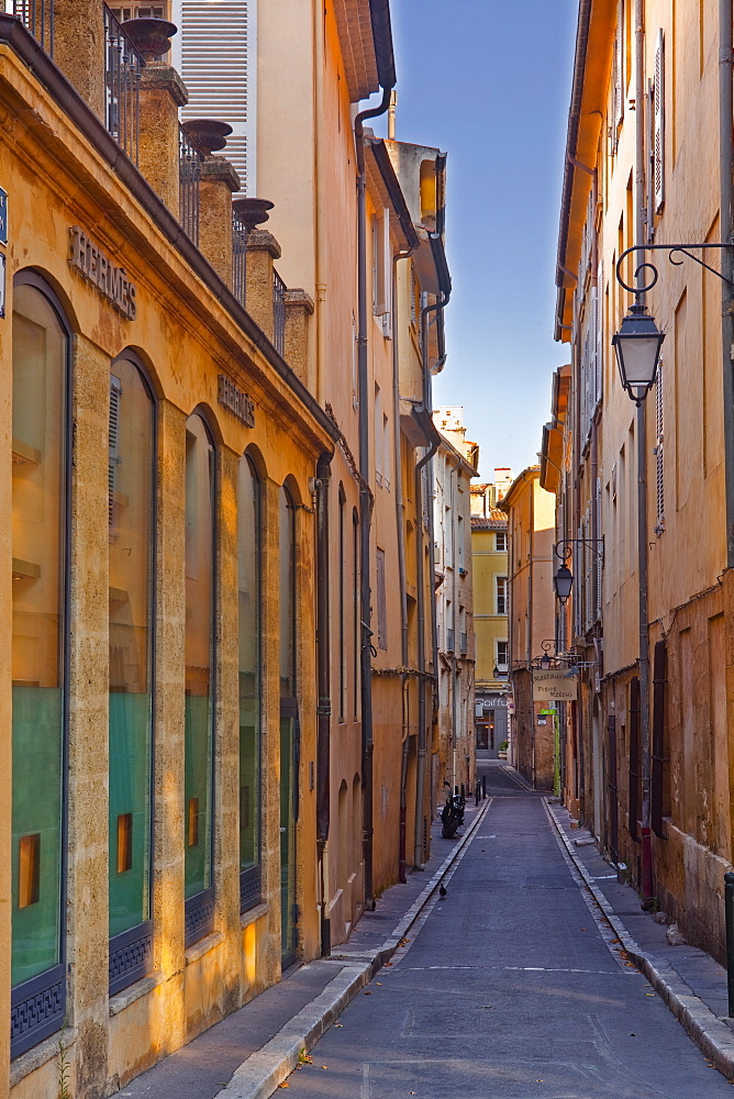A narrow backstreet in Aix-en-Provence, Bouches-du-Rhone, Provence, France, Europe