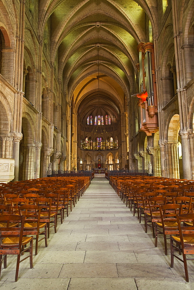 The nave of Basilique Saint Remi, the building is a mixture of Romanesque and Gothic architecture dating from the 11th century, Reims, Champagne-Ardenne, France, Europe
