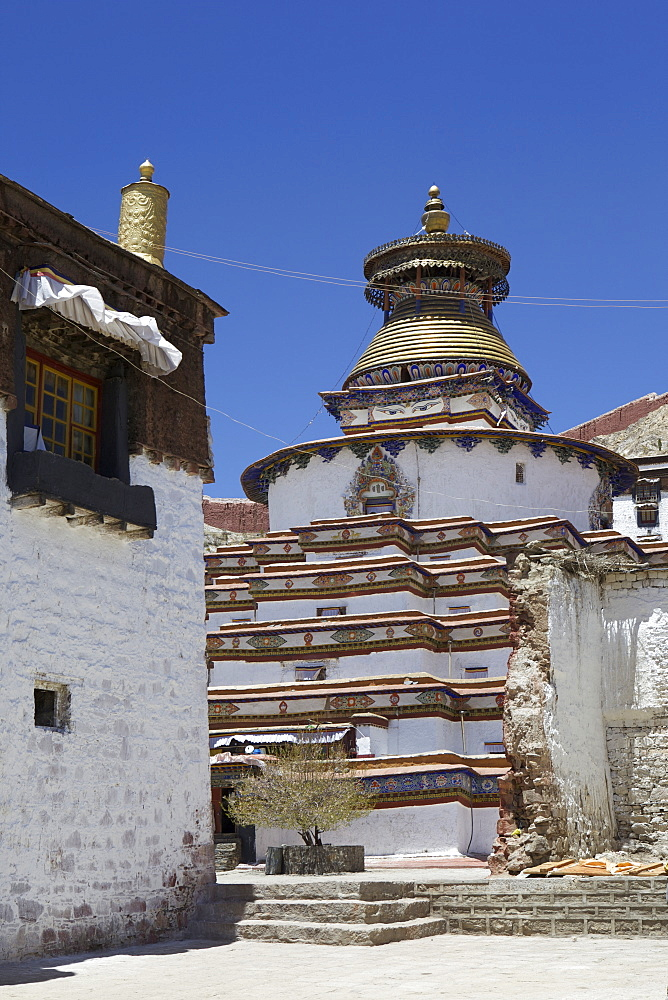 The Kumbum chorten (Stupa) in the Palcho Monastery at Gyantse, Tibet, China, Asia