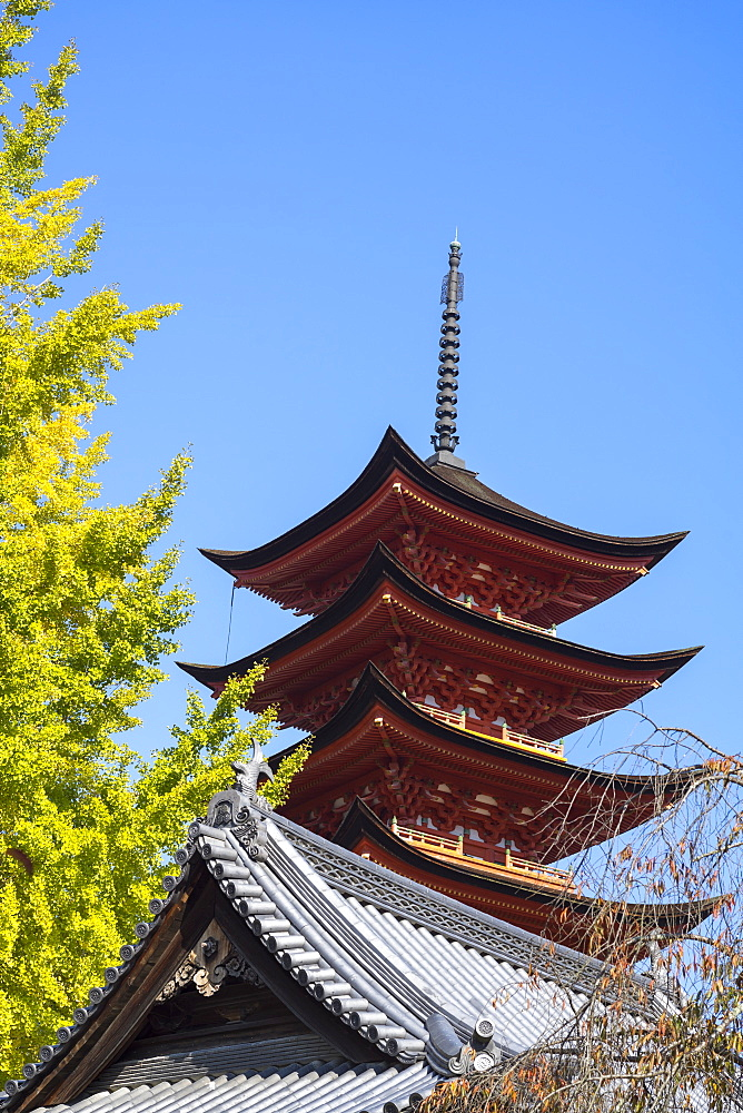 Senjokaku five-storey pagoda on Miyajima island, Itsukushima, UNESCO World Heritage Site, Hiroshima Prefecture, Honshu, Japan, Asia - 851-723