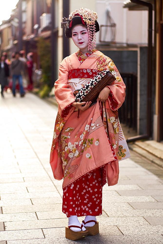Geisha wearing a kimono in Gion, Kyoto.