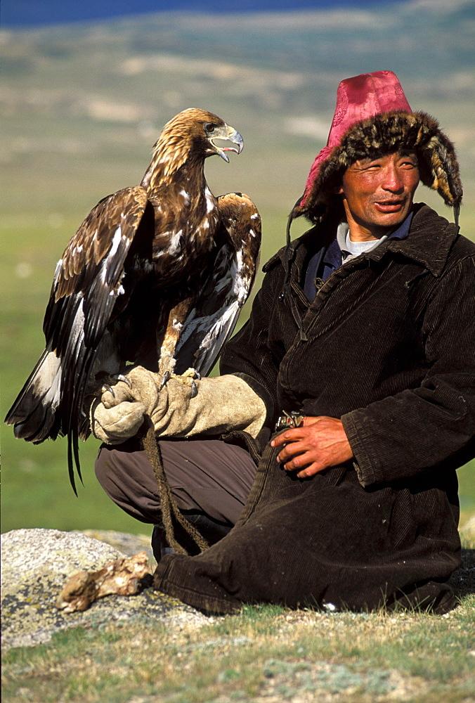 Kazakh eagle hunter, Altai Tavan Bogd National Park, Mongolia