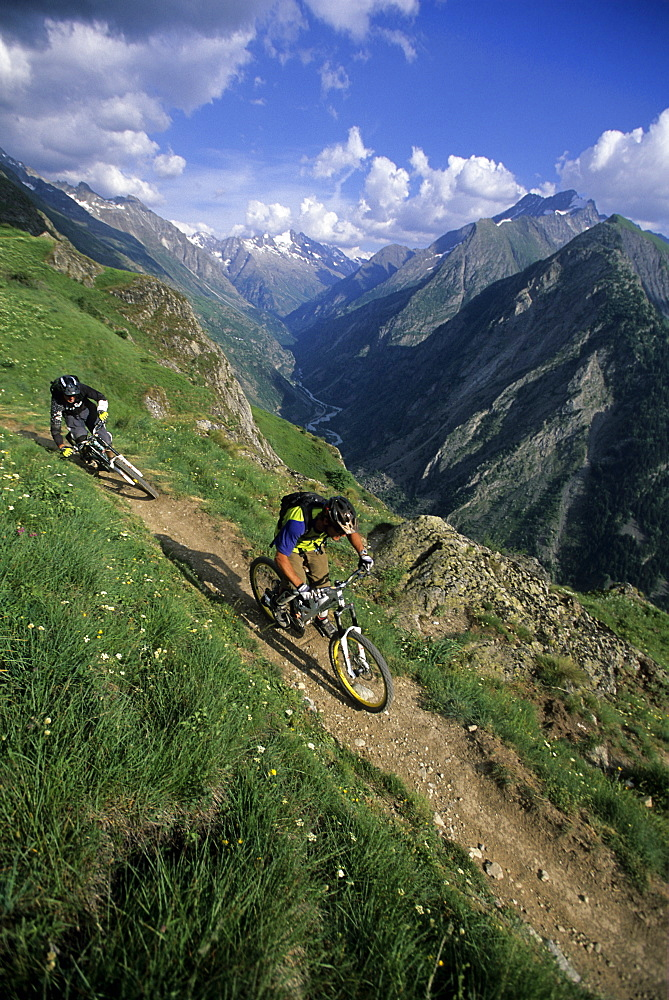 Richie Schley and Dave Watson riding high in Les 2 Alpes, France