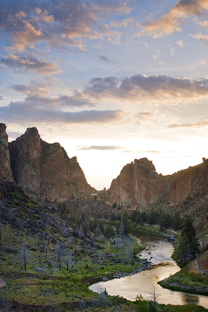 Landscape of Smith Rock Recreation Area and Deschutes River. Oregon, United States of America