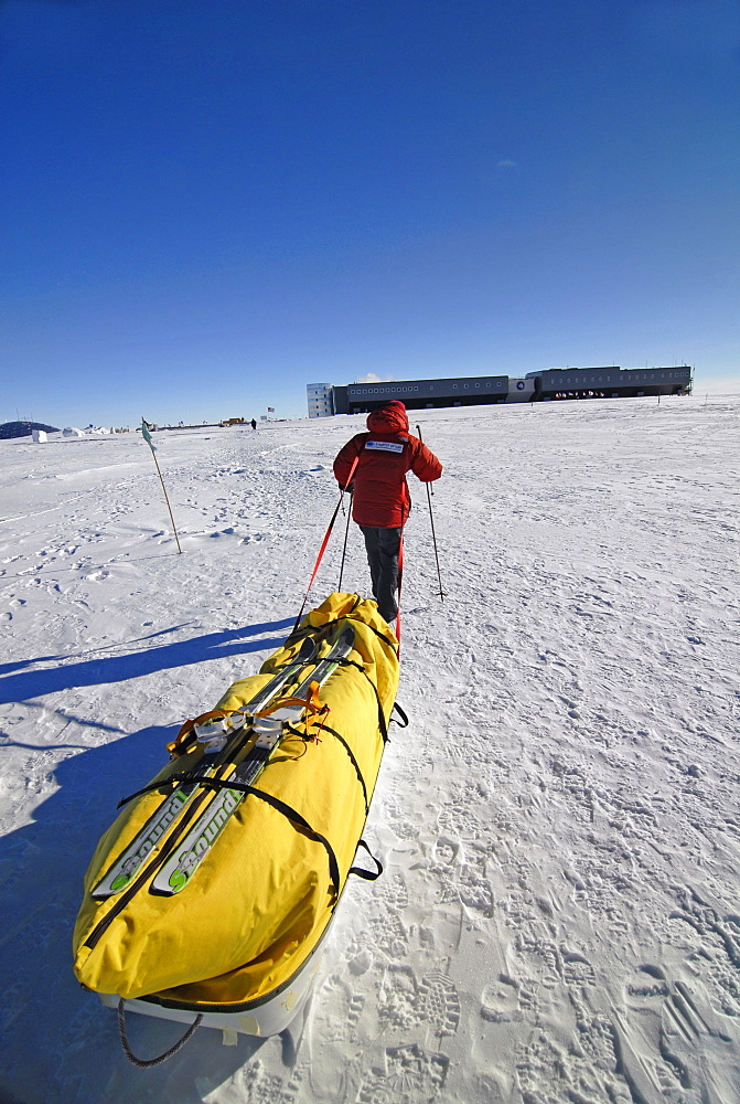 An Antarctic explorer finishes his traverse to the South Pole from the faraway coast.