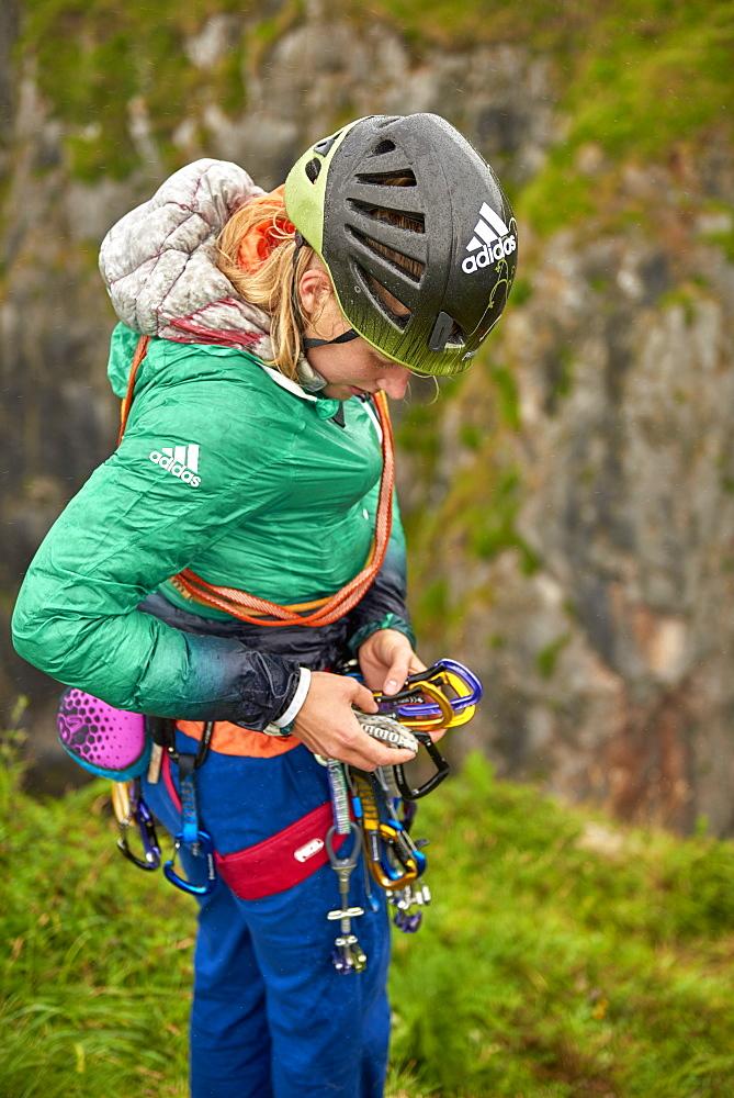 Professional climbers Jacopo Larcher, Barbara Zangerl, Roland Hemetzberger and Lara Neumeier on a climbing trip to Wales, UK. - 857-95529