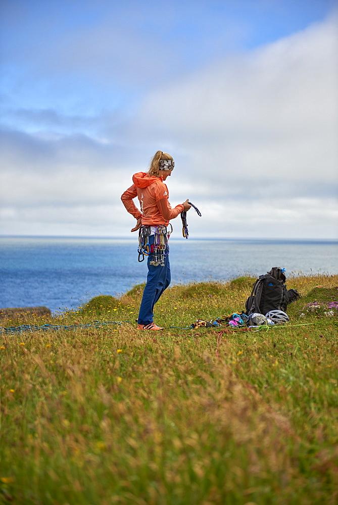 Professional climbers Jacopo Larcher, Barbara Zangerl, Roland Hemetzberger and Lara Neumeier on a climbing trip to Wales, UK. - 857-95531