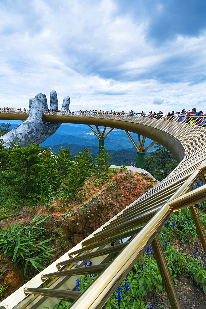Golden Bridge, Sun World Ba Na Hills, Danang, Vietnam, Asia