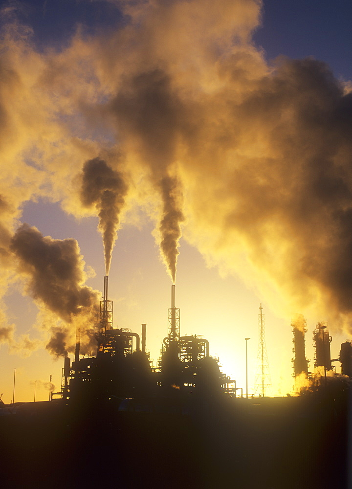 Pollution from a petrochemical plant on Teeside, England, United Kingdom, Europe - 911-5595