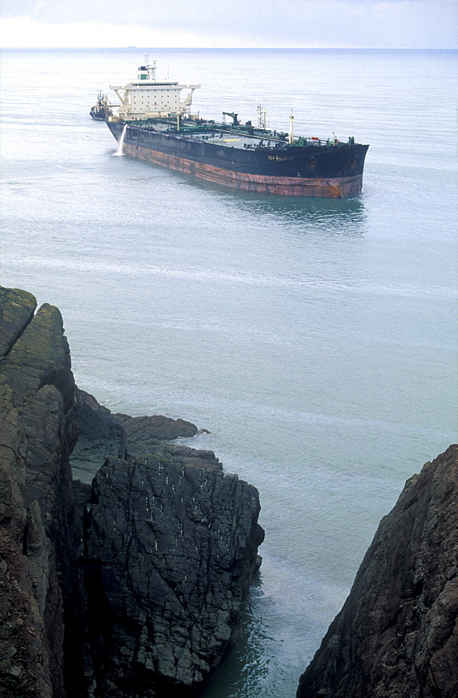 Sea Empress Oil Tanker and Surrounding Spillage, Milford Haven, Pembrokeshire, West Wales