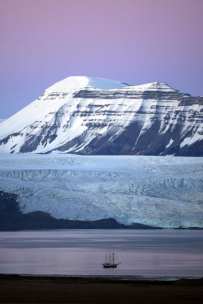 Nordenskioldbreen, Billefjorden,Spitsbergen, Svalbard, Norway, Scandinavia, Europe - 918-84